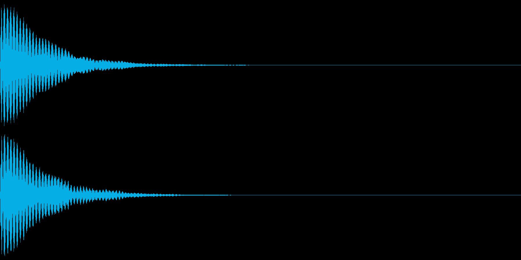ウインク ピーン 瞬き 光 目 魔性の再生済みの波形