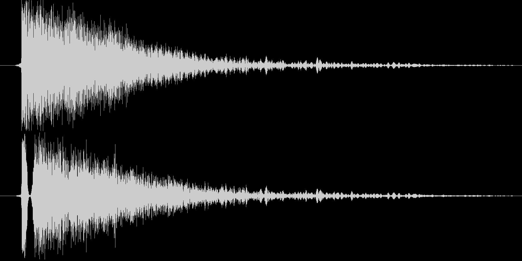 キンッ(金属系効果音)の未再生の波形
