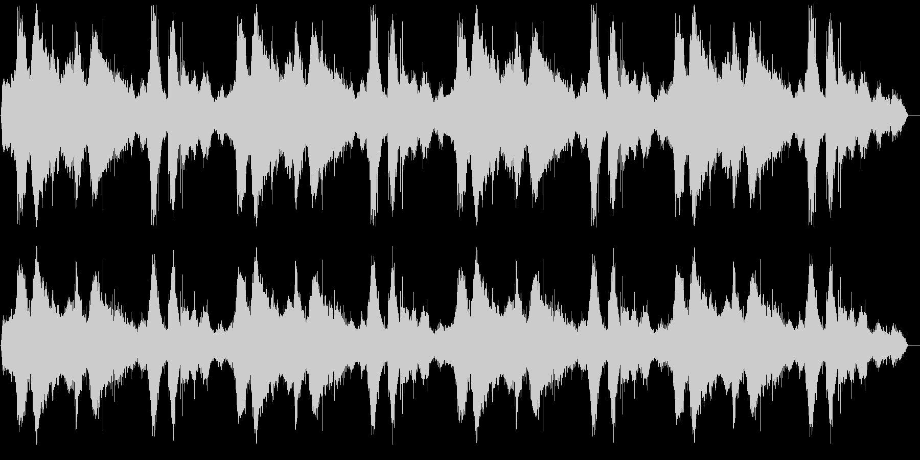 波の音の低音と高音をカットしたローファ…の未再生の波形