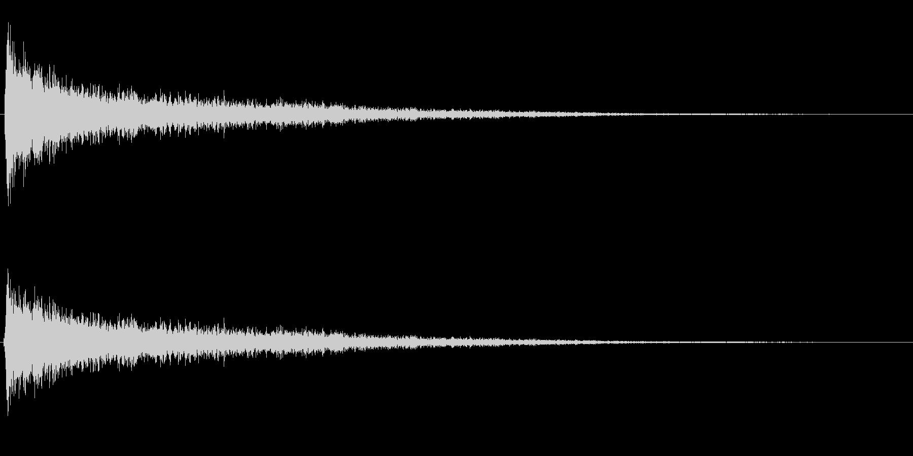 バーーン!(強いシンバル音)の未再生の波形