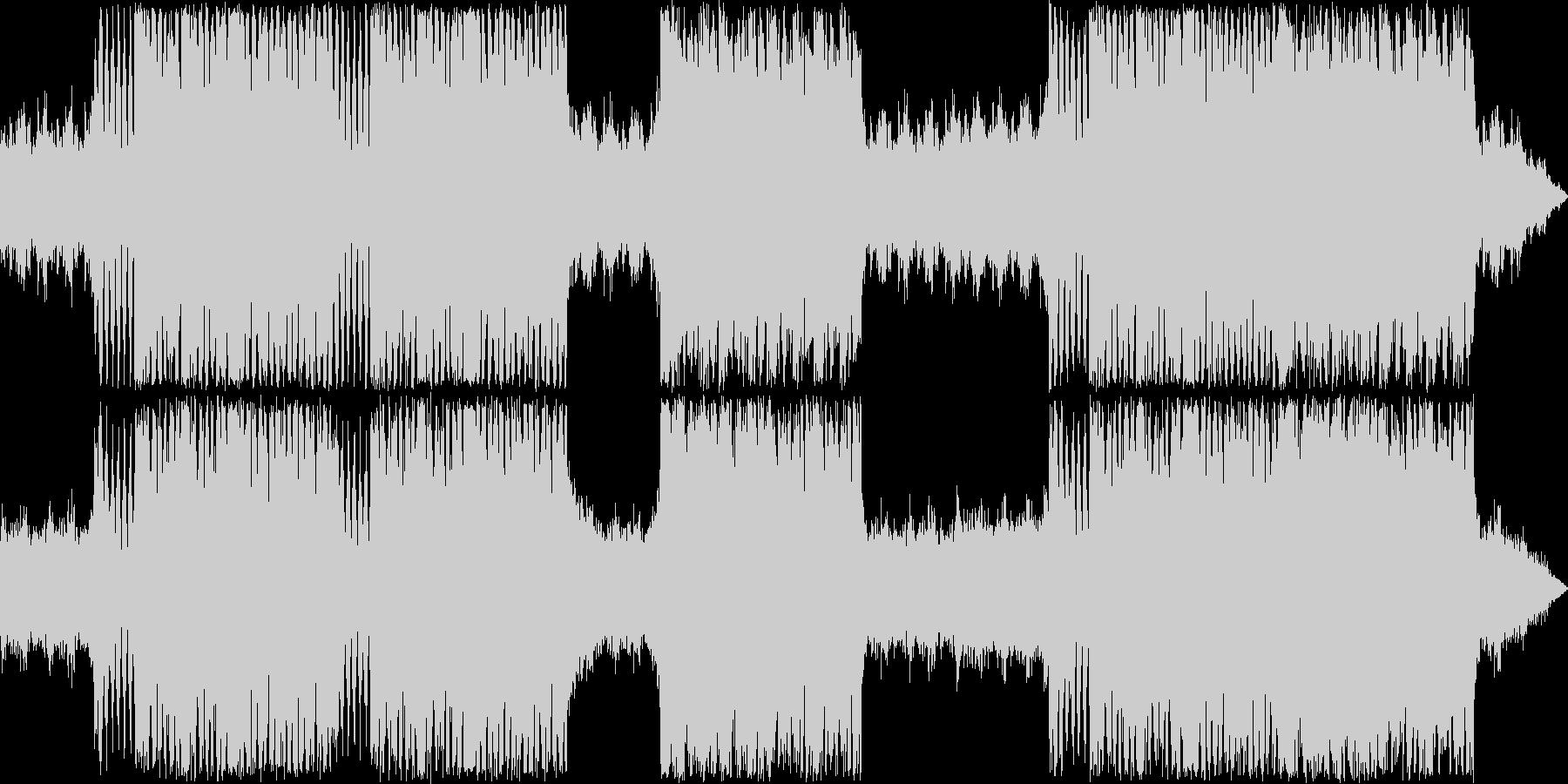 重厚な金管楽器がメインの楽曲の未再生の波形