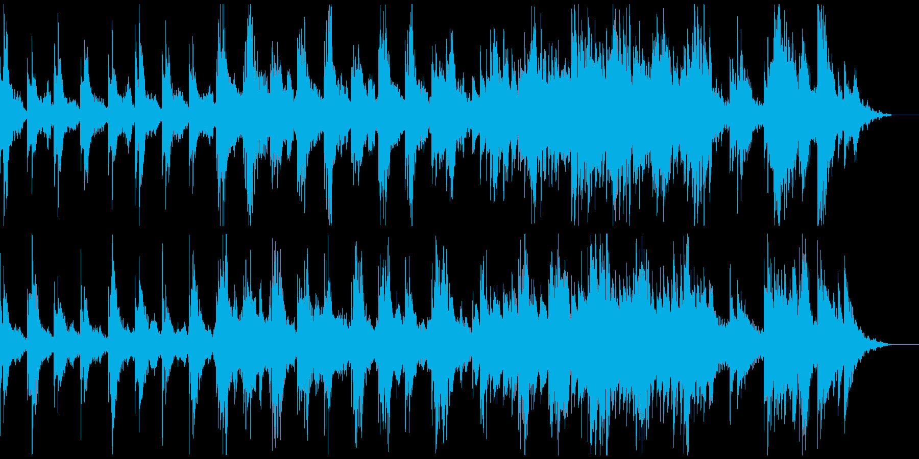 ゲーム、不規則ピアノメロディ、リズムなしの再生済みの波形