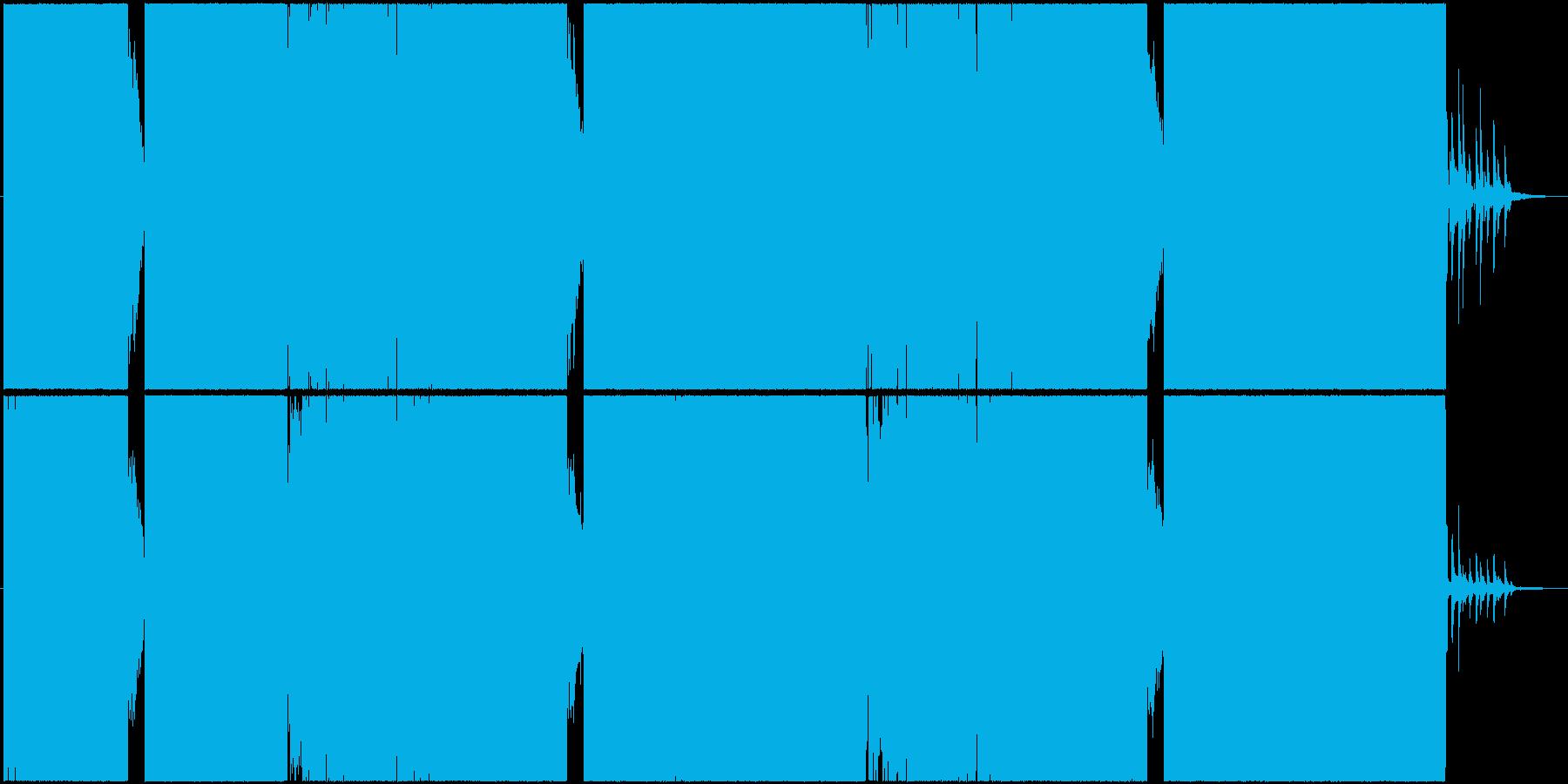 激しくパワフルなシンセも入ったメタルコアの再生済みの波形