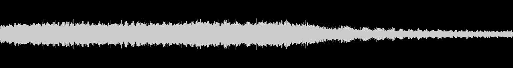 セミと鳥(ピーピー)の声の未再生の波形