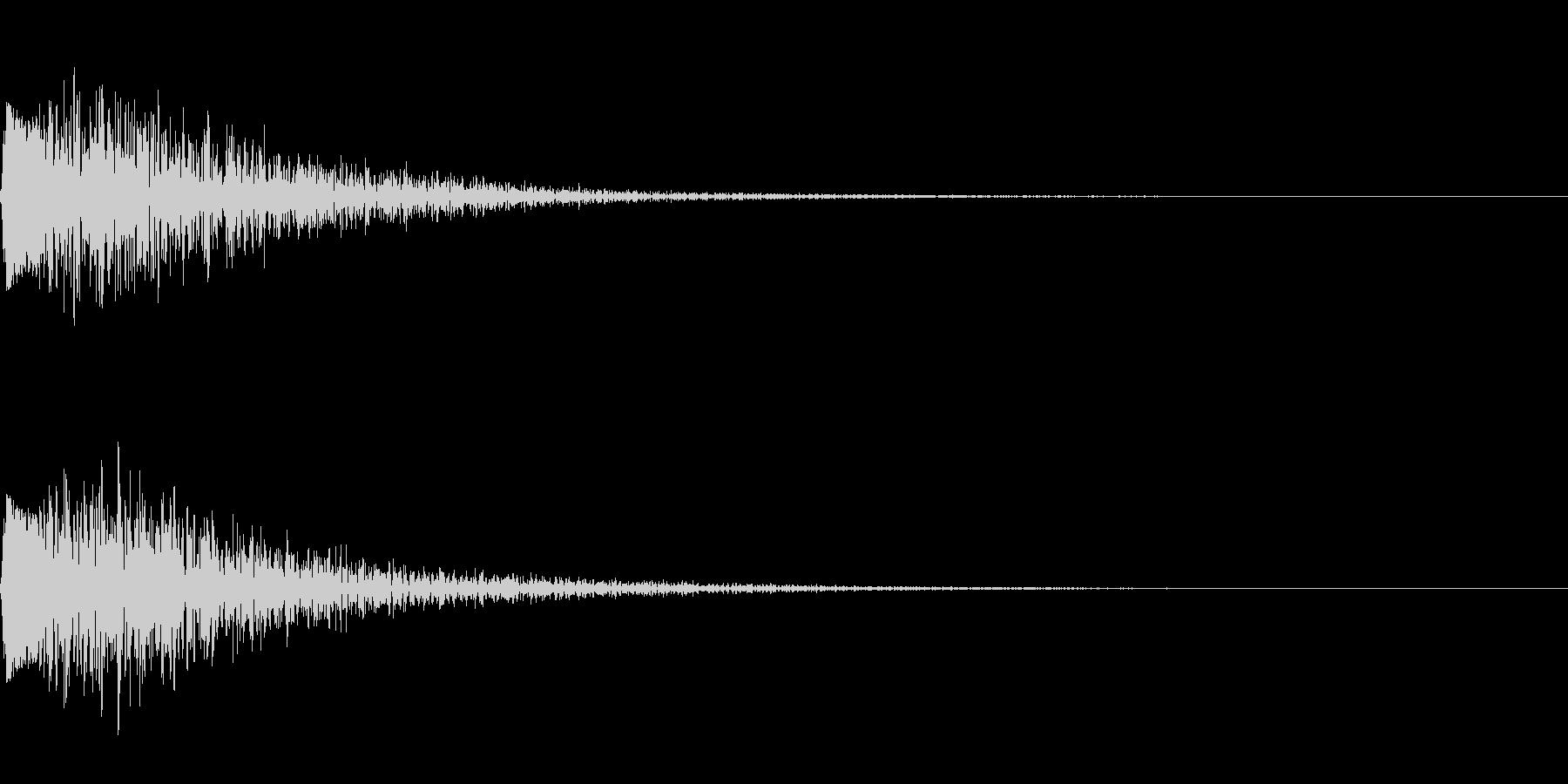 金属の叩くような音の未再生の波形
