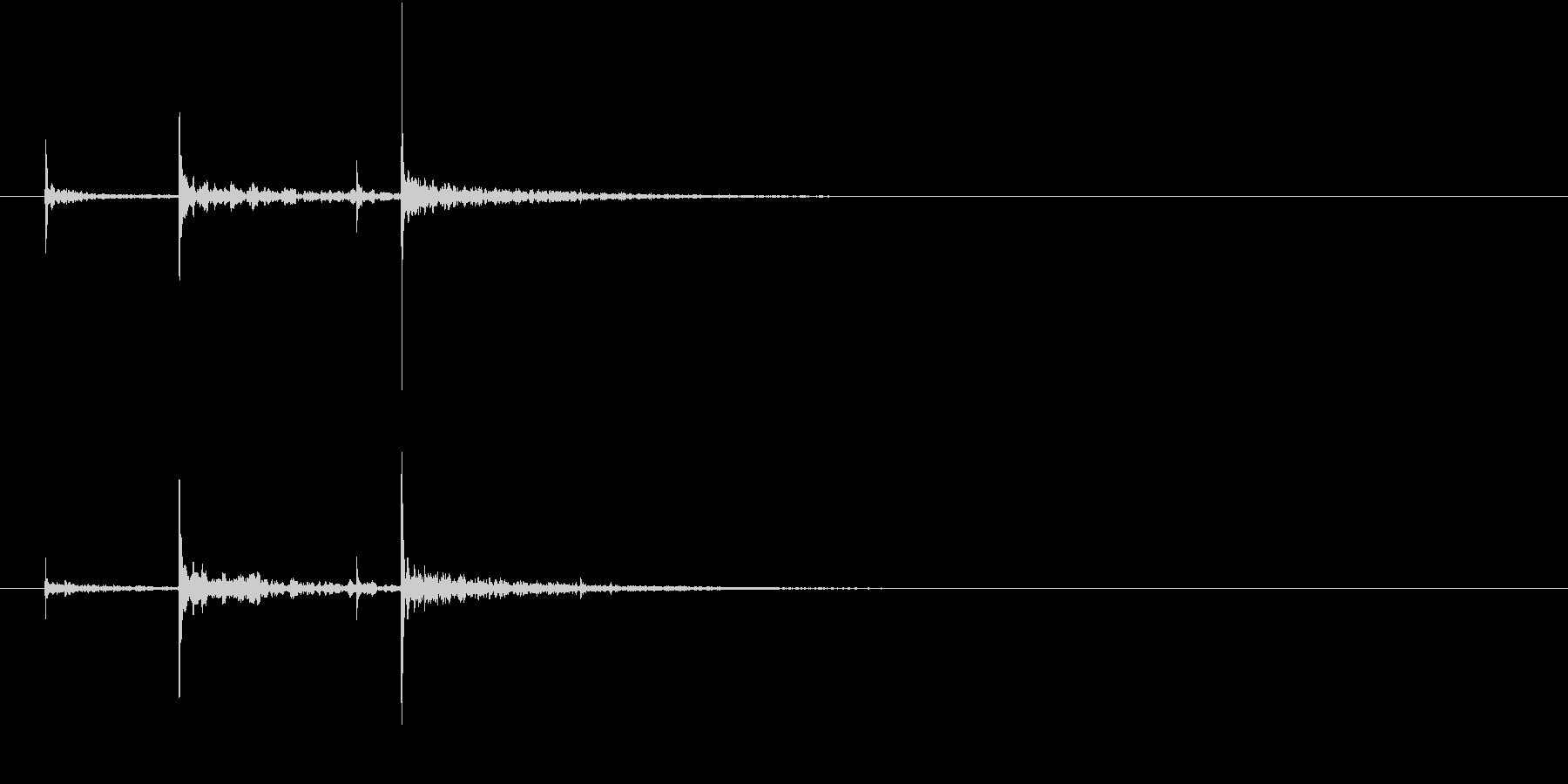 洞窟内で水滴が落ちる音(シンプル)の未再生の波形
