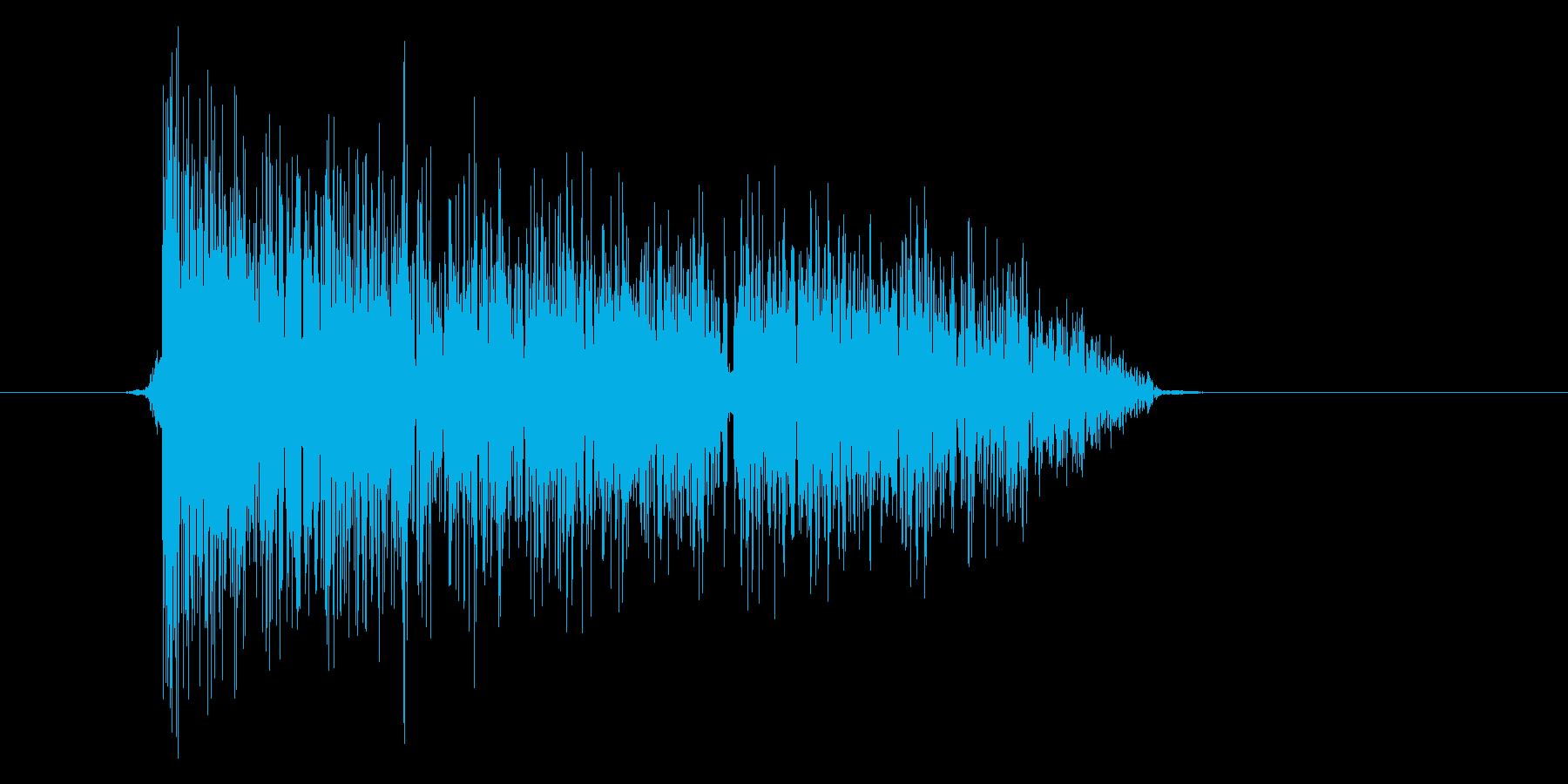 ゲーム(ファミコン風)爆発音_050の再生済みの波形