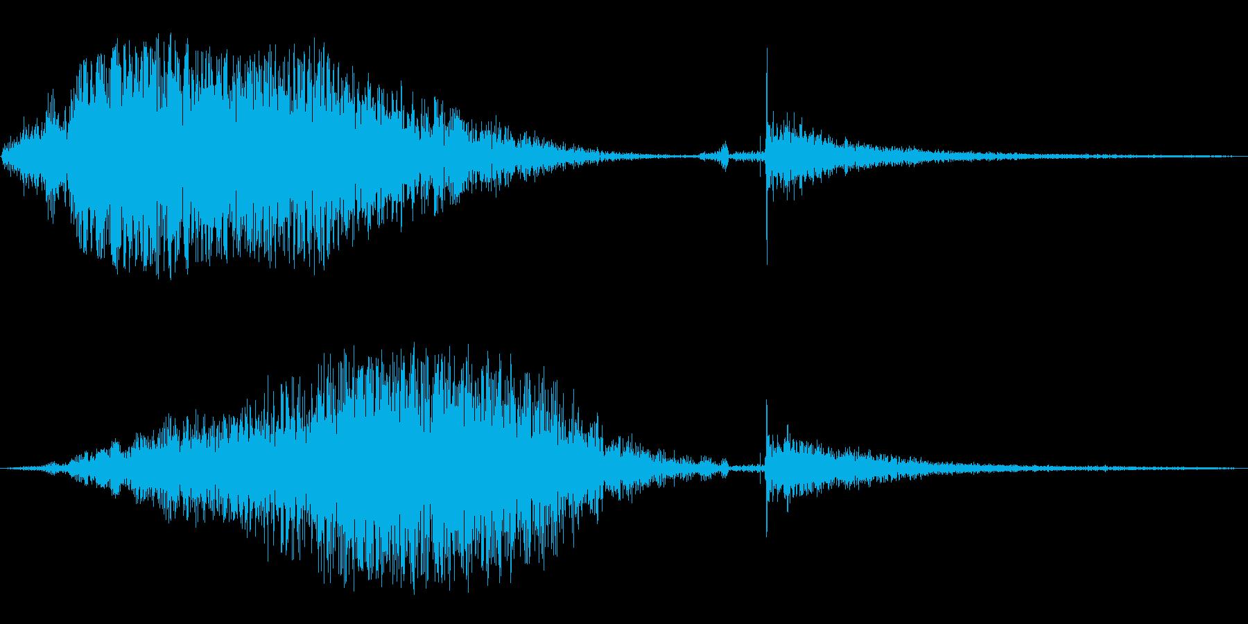 ジェット機が通過する音と衝撃音の再生済みの波形