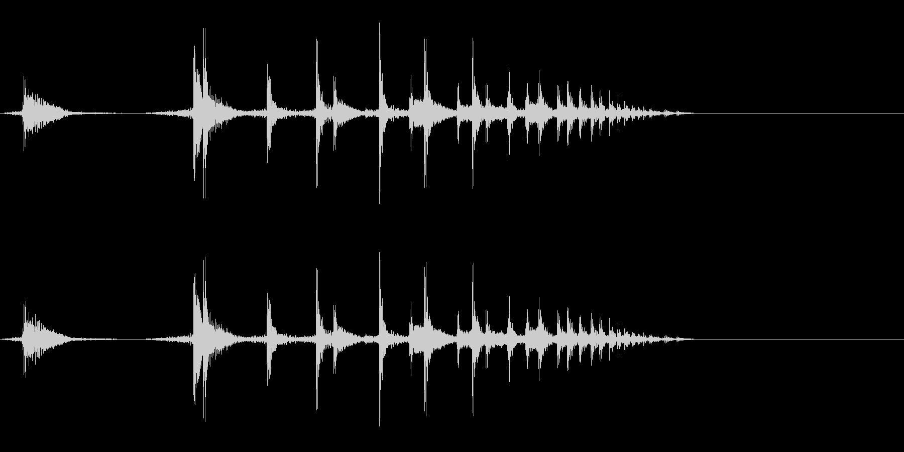 薬莢が落ちる音の未再生の波形