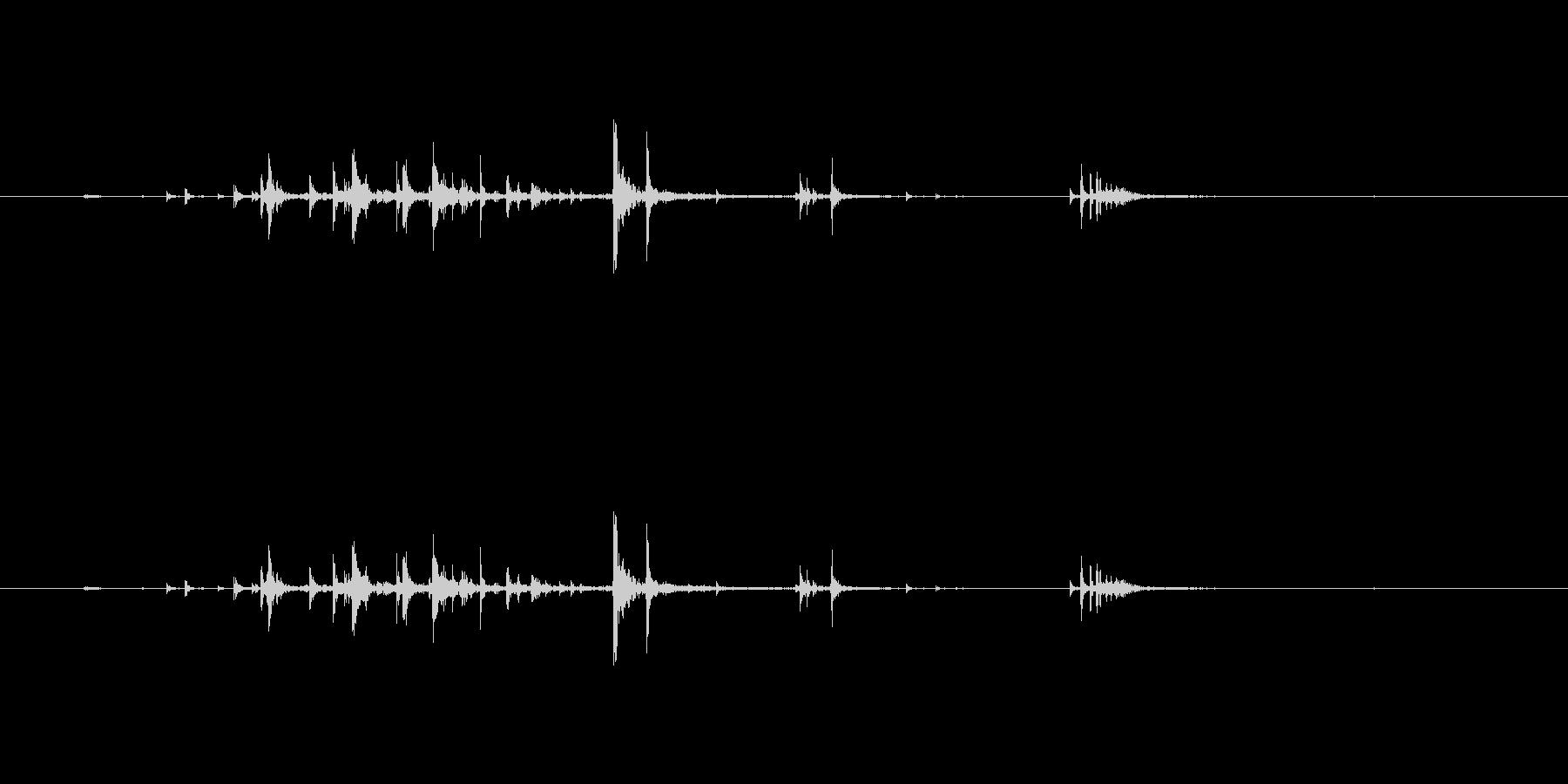 きゅうりを丸ごとかじる音の未再生の波形