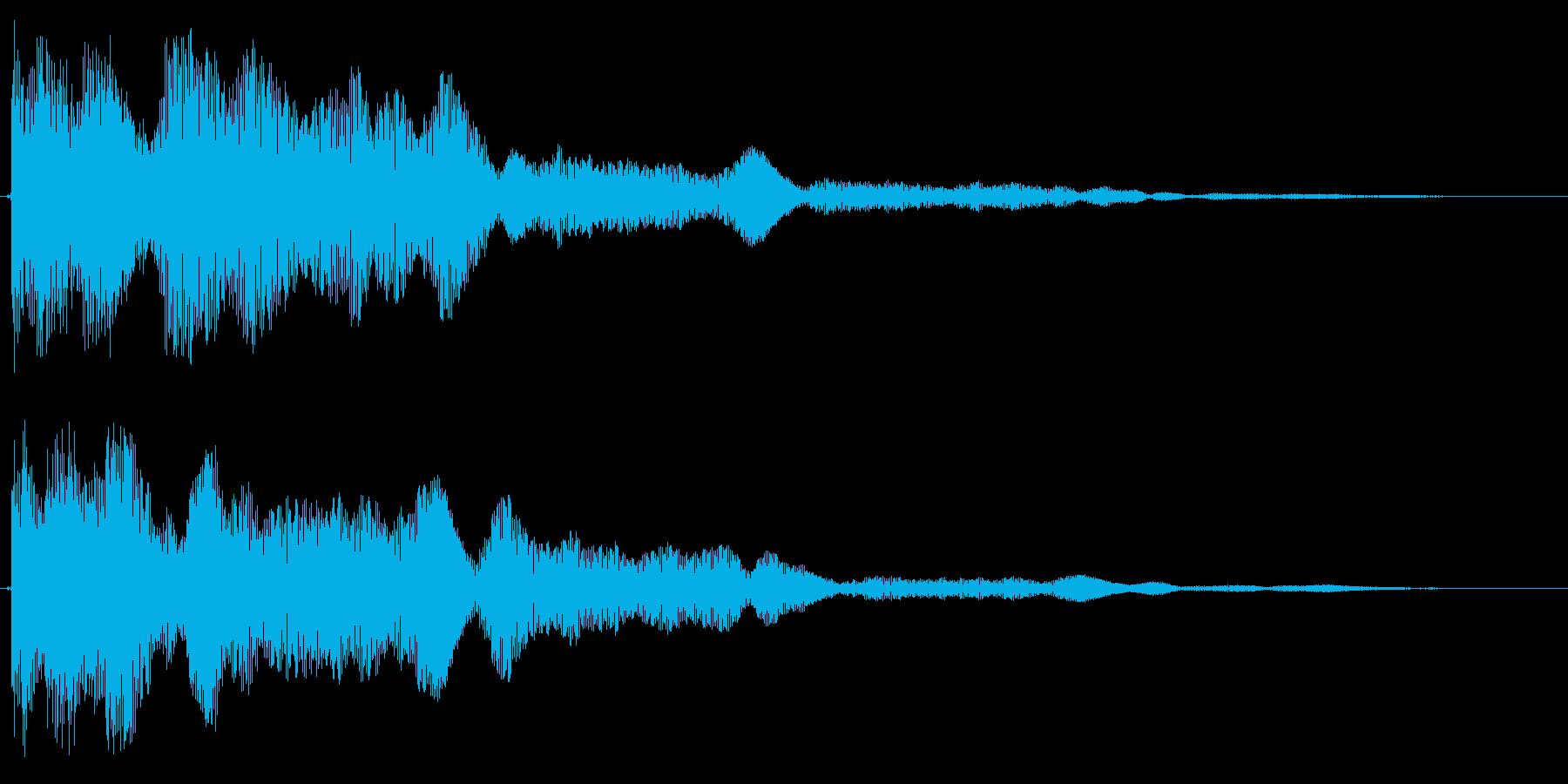 ゴォーンといった金物に鈍く当たった音の再生済みの波形