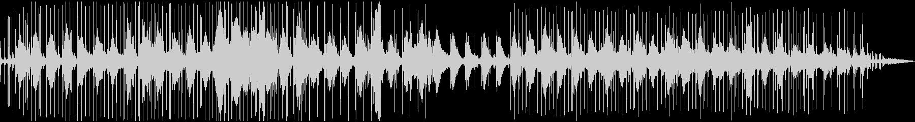 カモメが海の上を飛んでいるような電子音楽の未再生の波形
