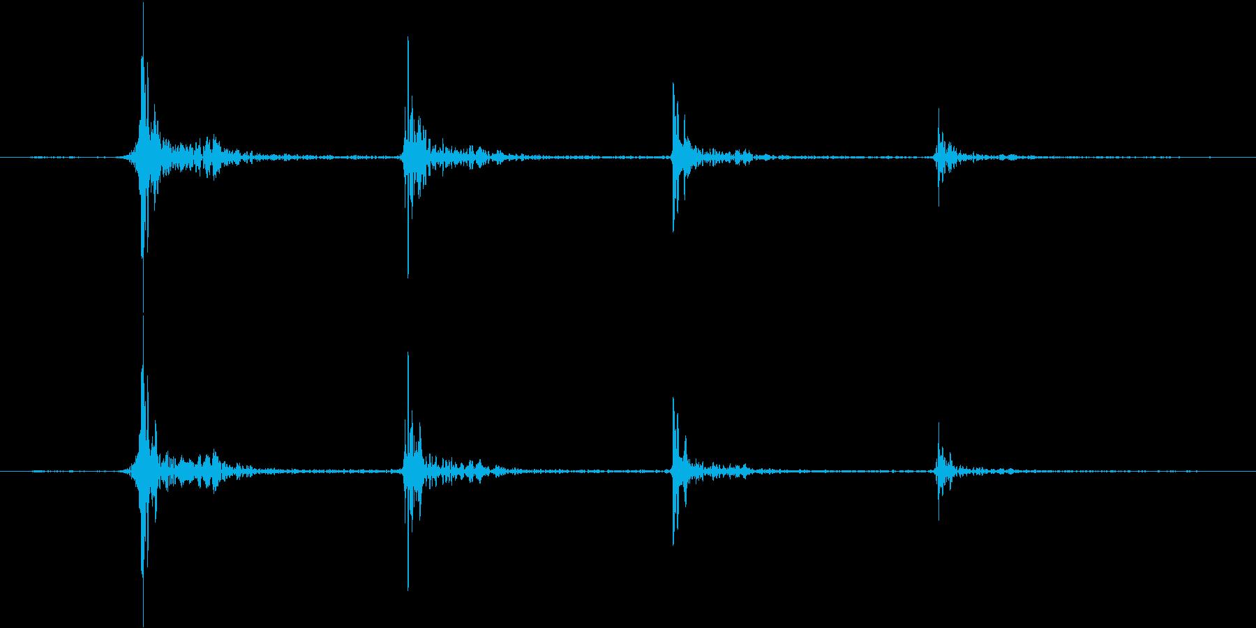 階段を移動する足音(タッタッタッ...)の再生済みの波形