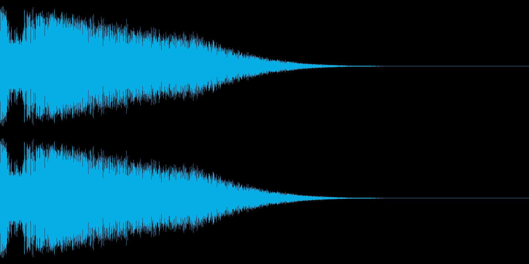 小規模な爆発またはミサイルなどの発射音の再生済みの波形