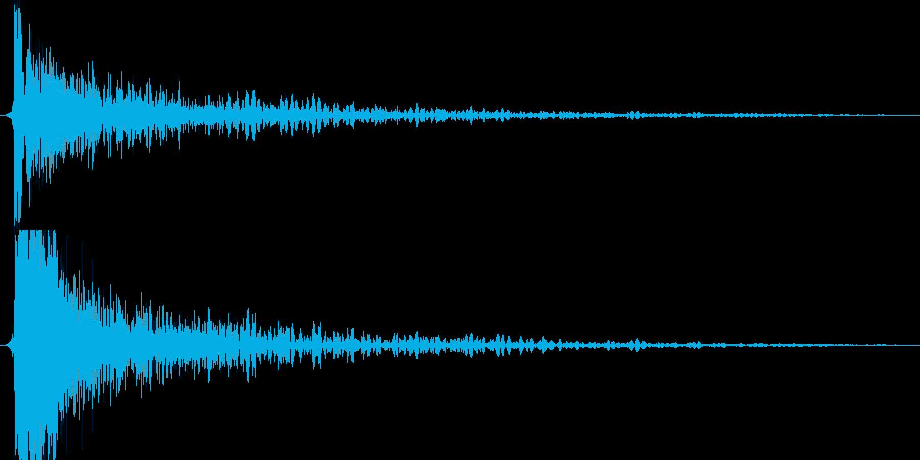 ガンッ(金属系効果音)の再生済みの波形