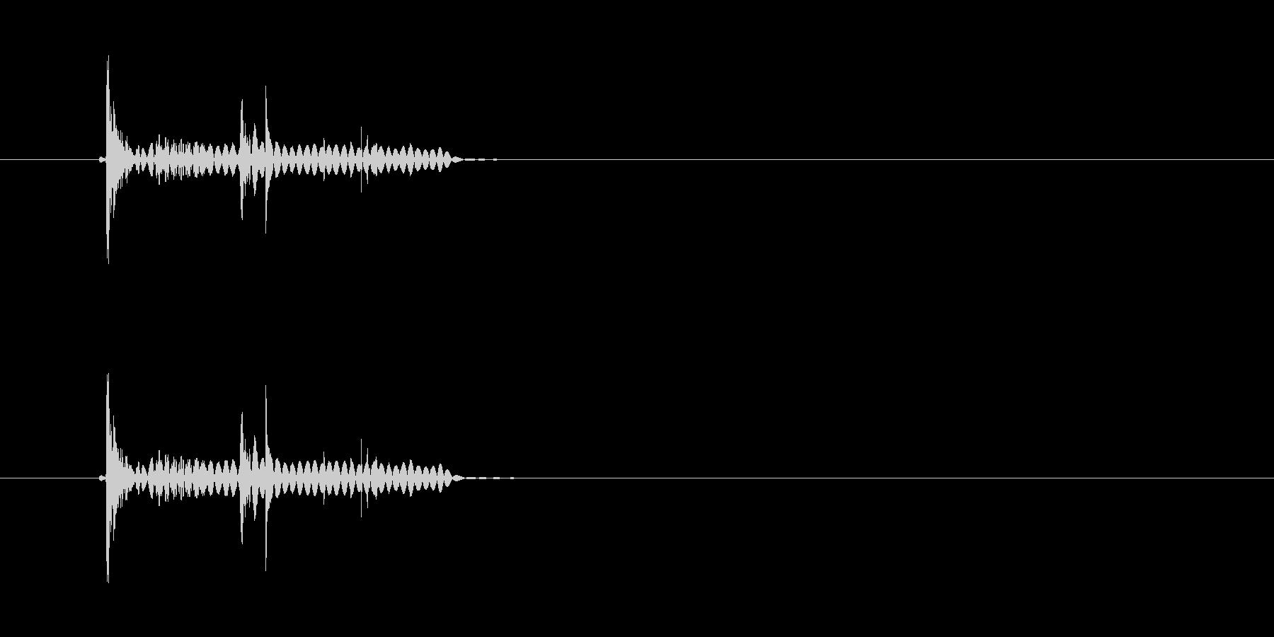 トップン(水中に落下する音)の未再生の波形