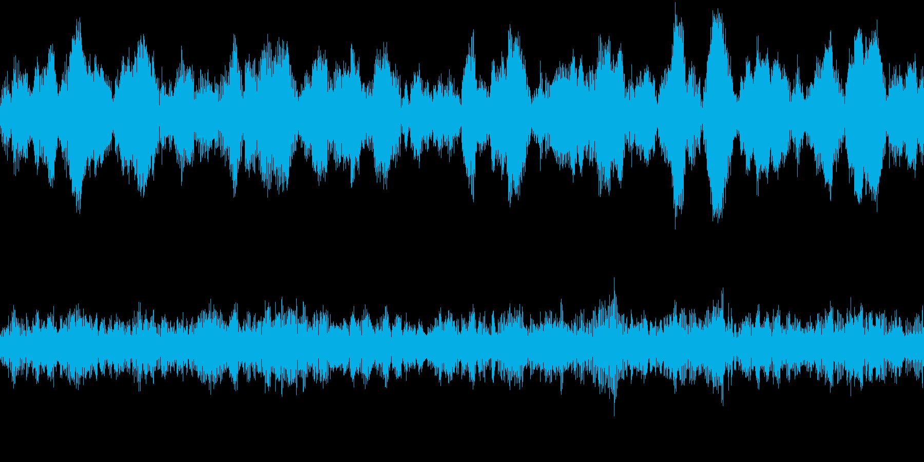 洞窟、不気味なサラウンド音(ループ仕様)の再生済みの波形