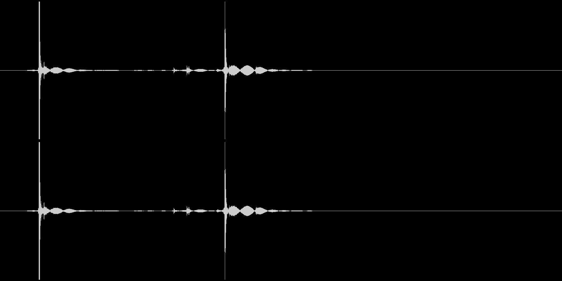 ボールペンのノック音の未再生の波形