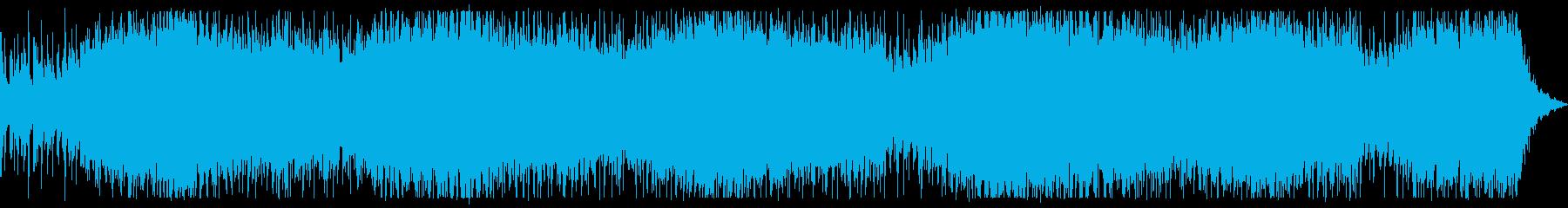 ベースとパーカッション中心のダークな楽曲の再生済みの波形