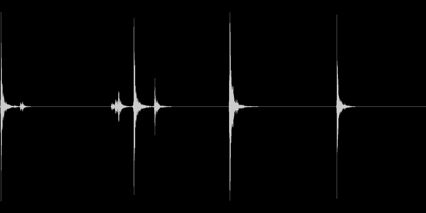 ラジカセのボタンを押す音の未再生の波形