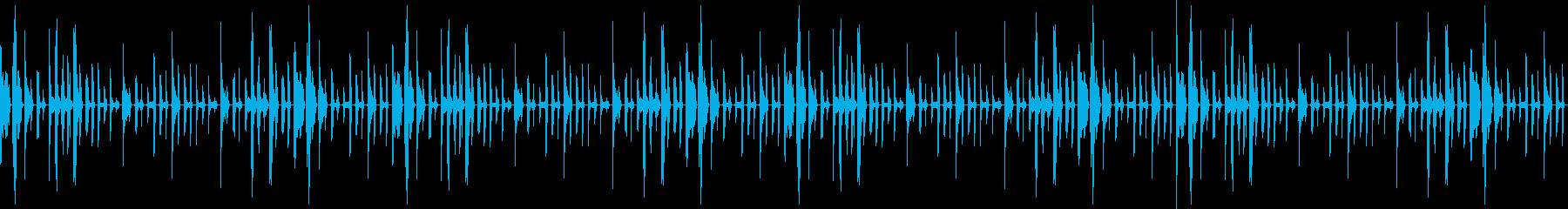 ノリの良い曲、ドラムが激しいジングルの再生済みの波形