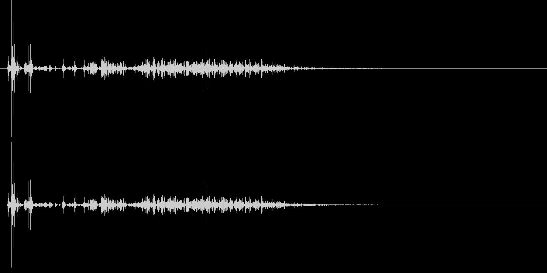 遠方の砲撃音 2の未再生の波形