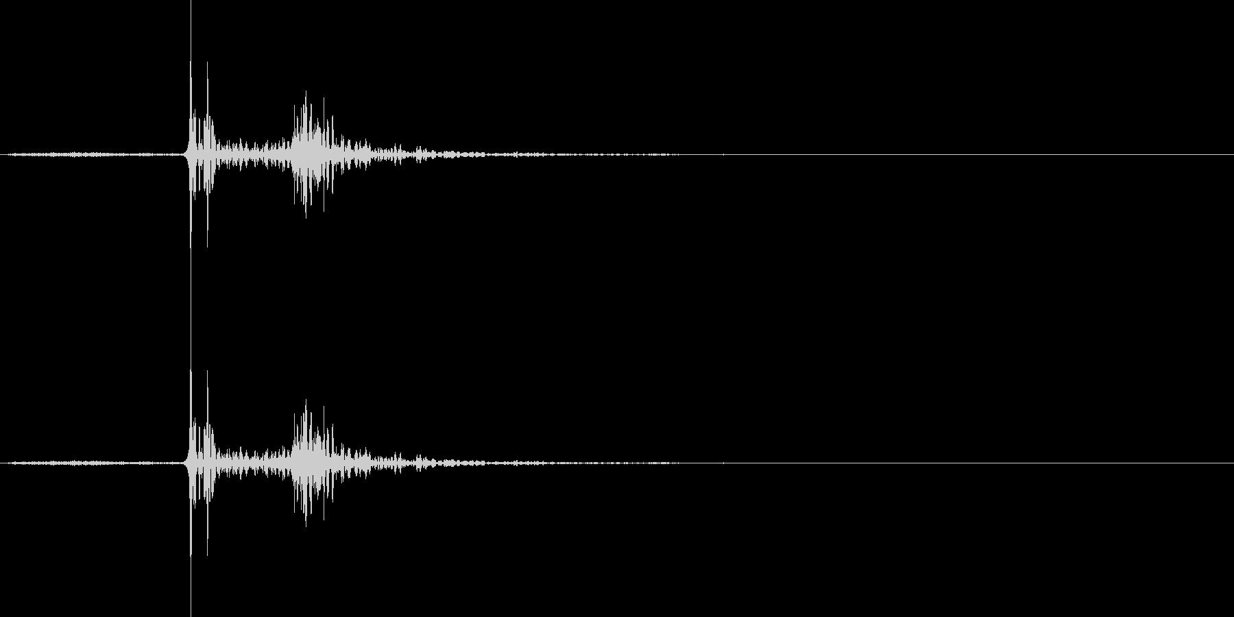 【マイク収録】物陰で何かが動いた物音の未再生の波形