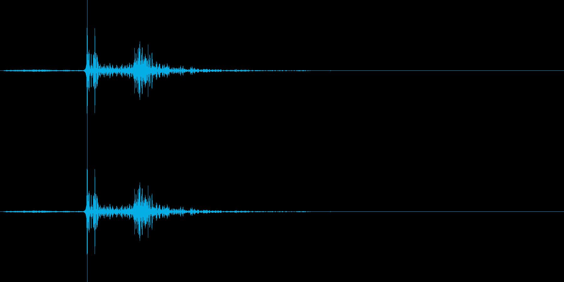 【マイク収録】物陰で何かが動いた物音の再生済みの波形