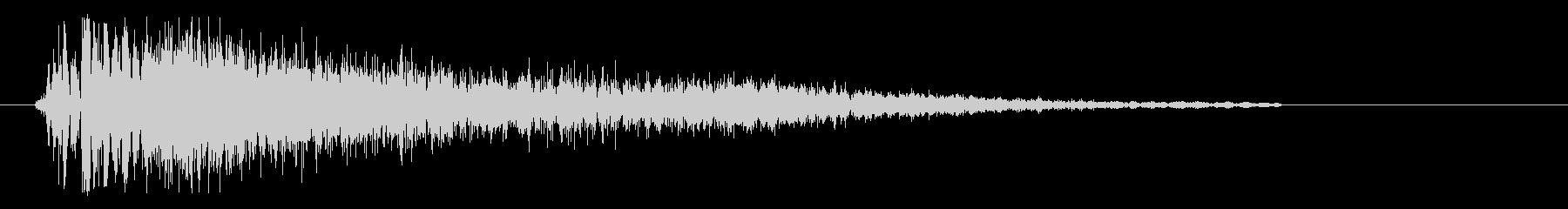 バシッというスネア音の未再生の波形