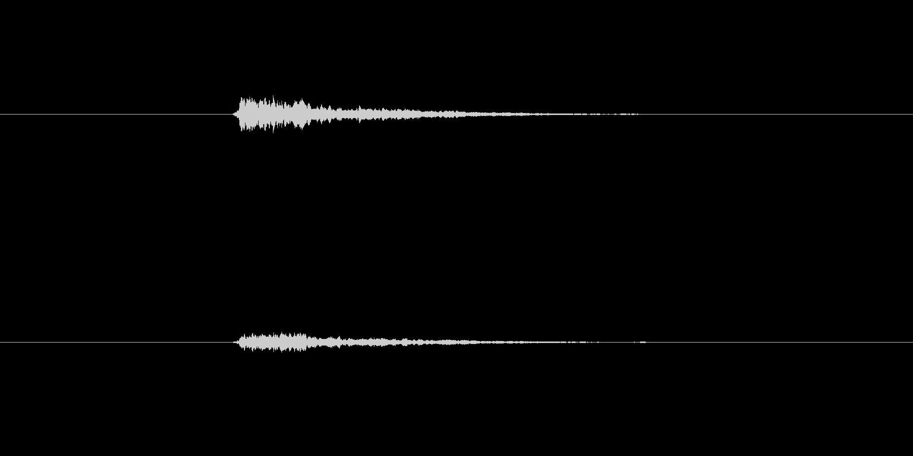 しゃりーんと軽快な鈴の音の未再生の波形