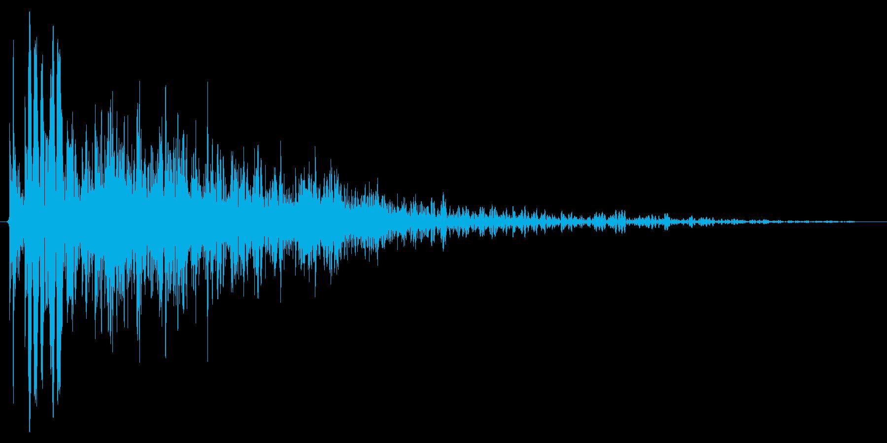 燃え盛る炎・火炎系の魔法(高レベル)mの再生済みの波形