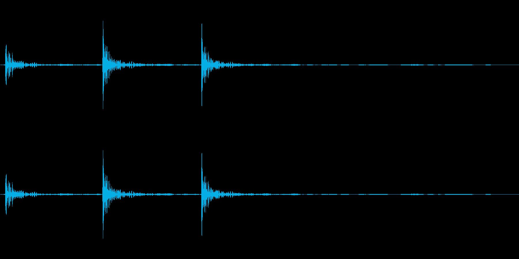 ドアをノックする音(三回)の再生済みの波形