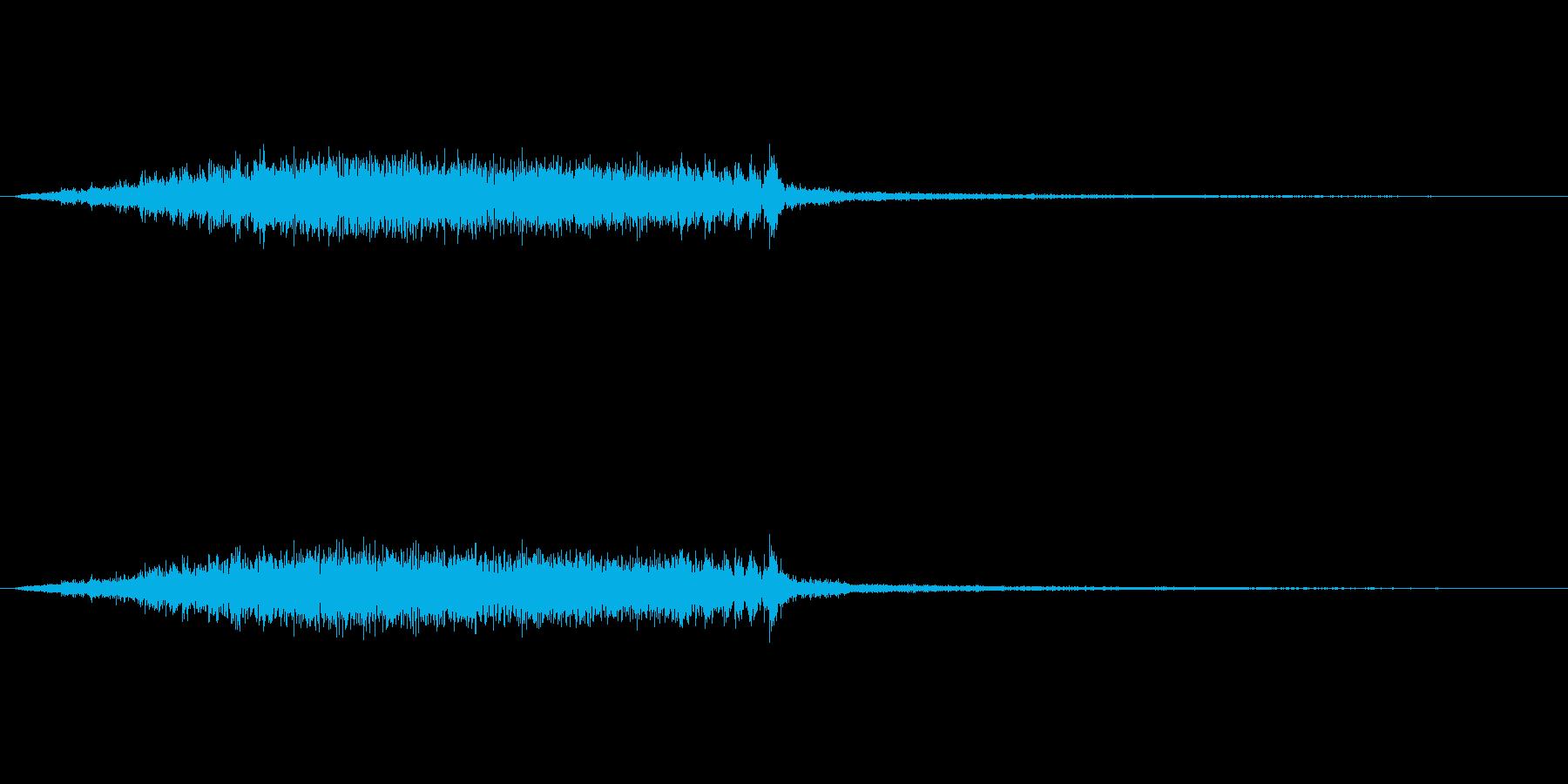 ギシィィって木が軋む音です。の再生済みの波形