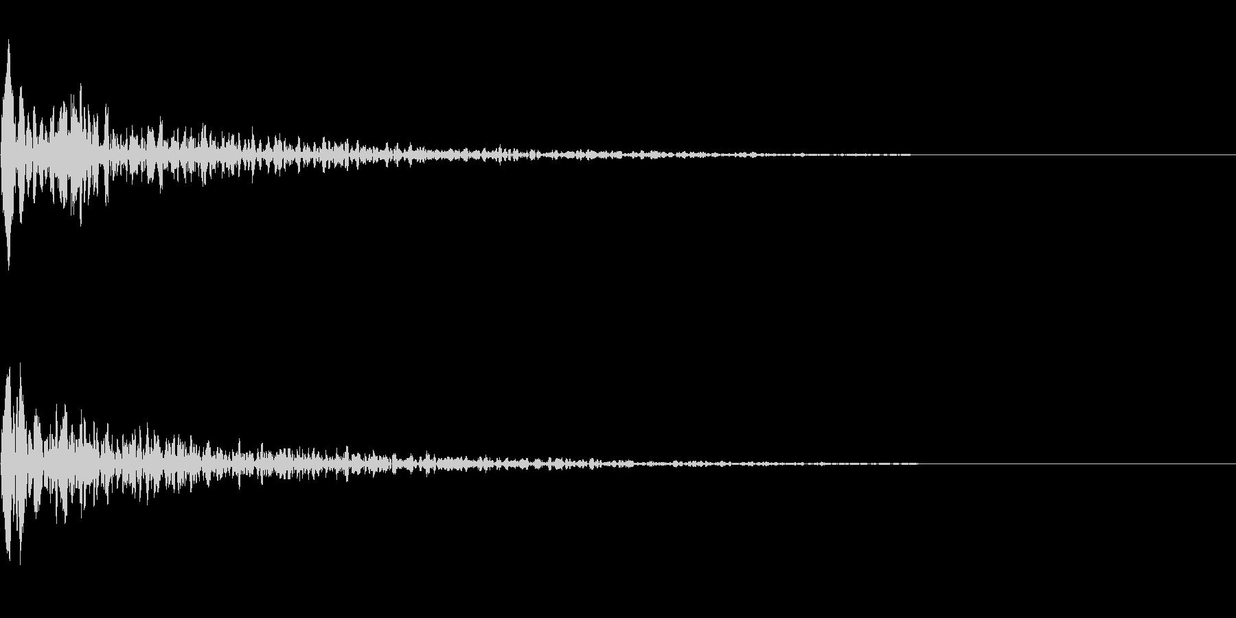 ドーン(映画の予告で聞くような音)の未再生の波形
