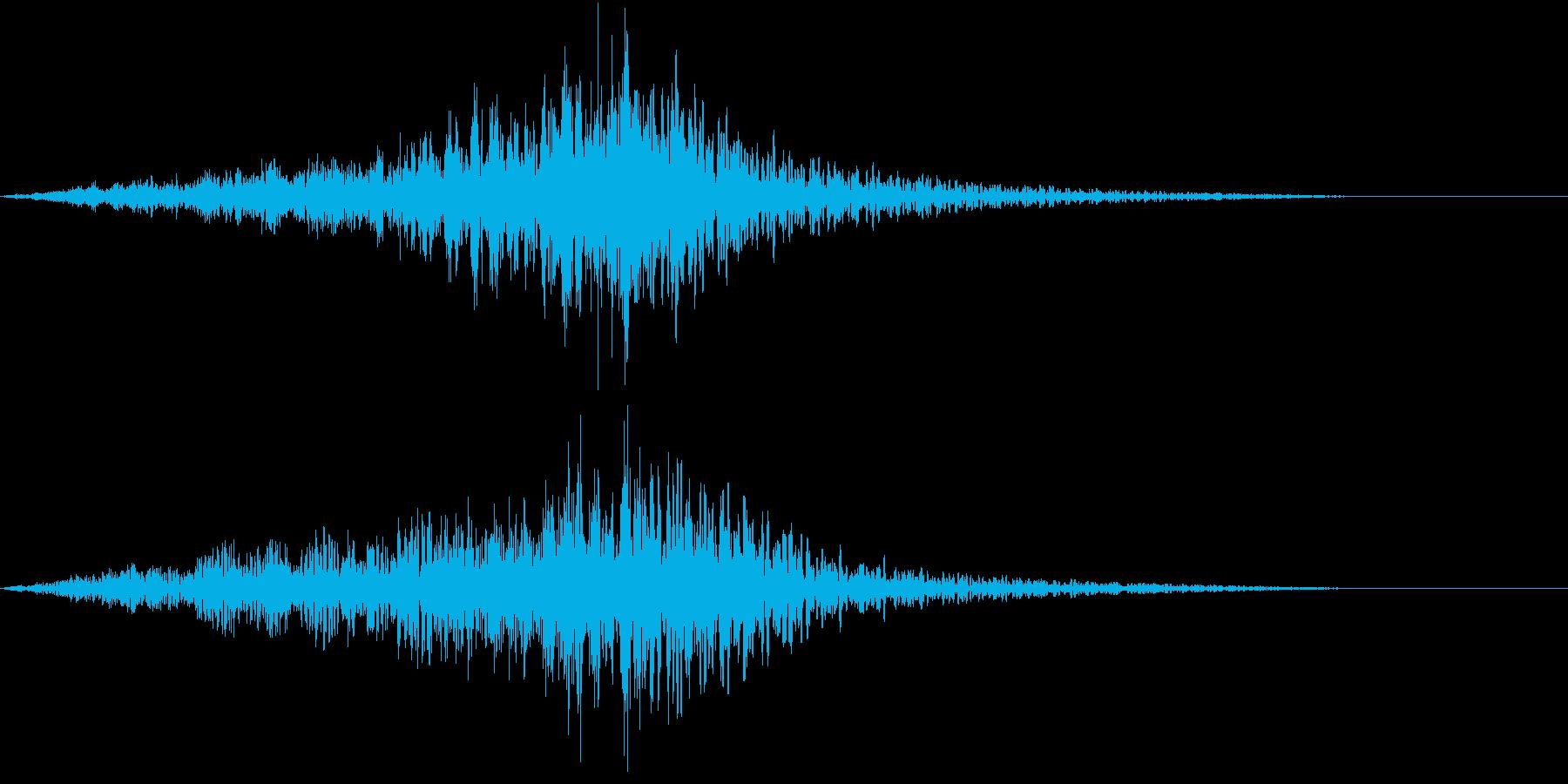 迫力ある上昇もしくは下降音の後玉砕する音の再生済みの波形