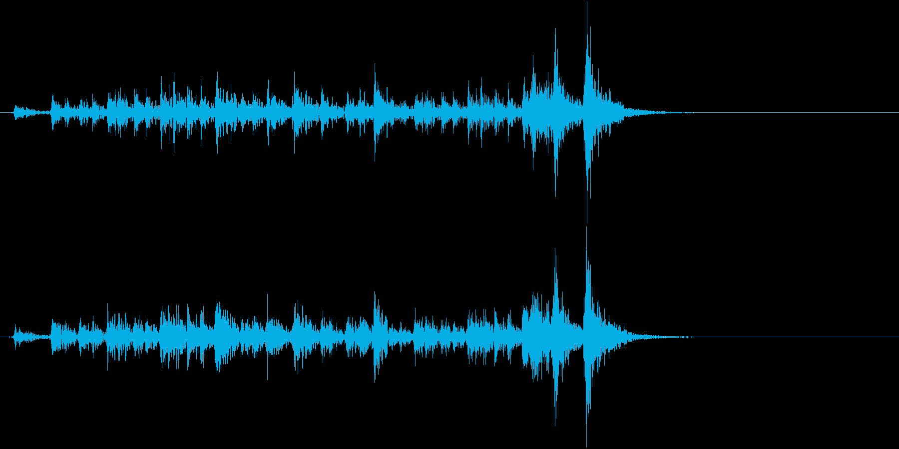 「ドドド・・」歌舞伎などの足拍子の連打音の再生済みの波形