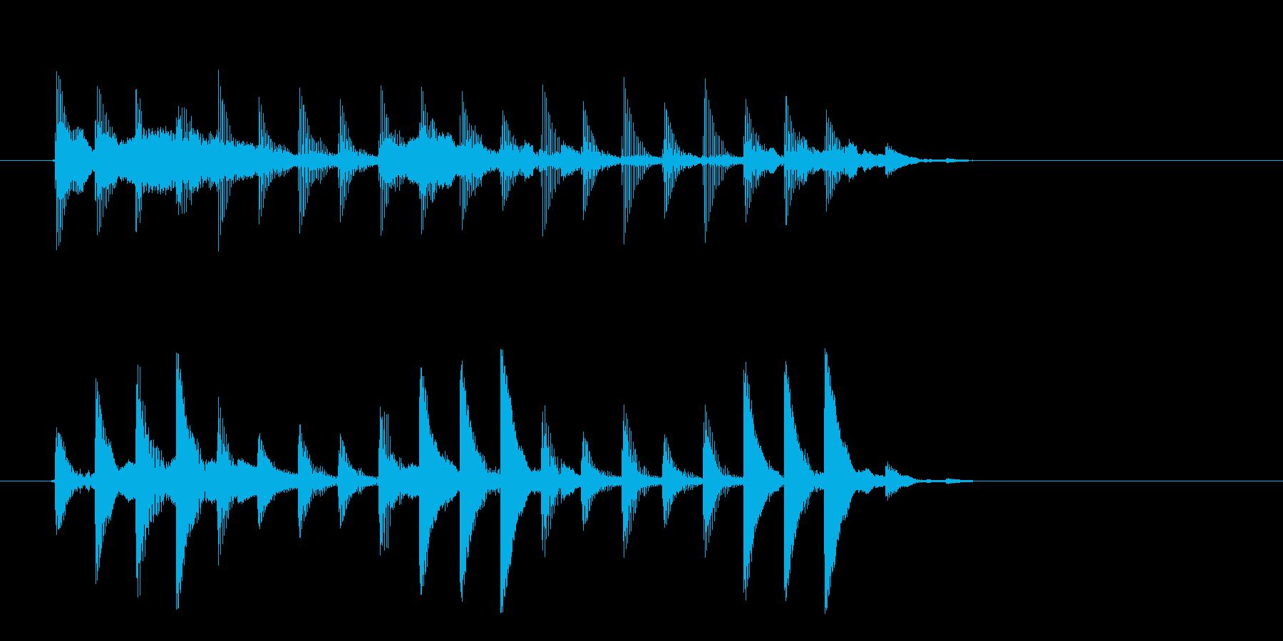 幻想的でゆったりとしたテクノ音楽の再生済みの波形
