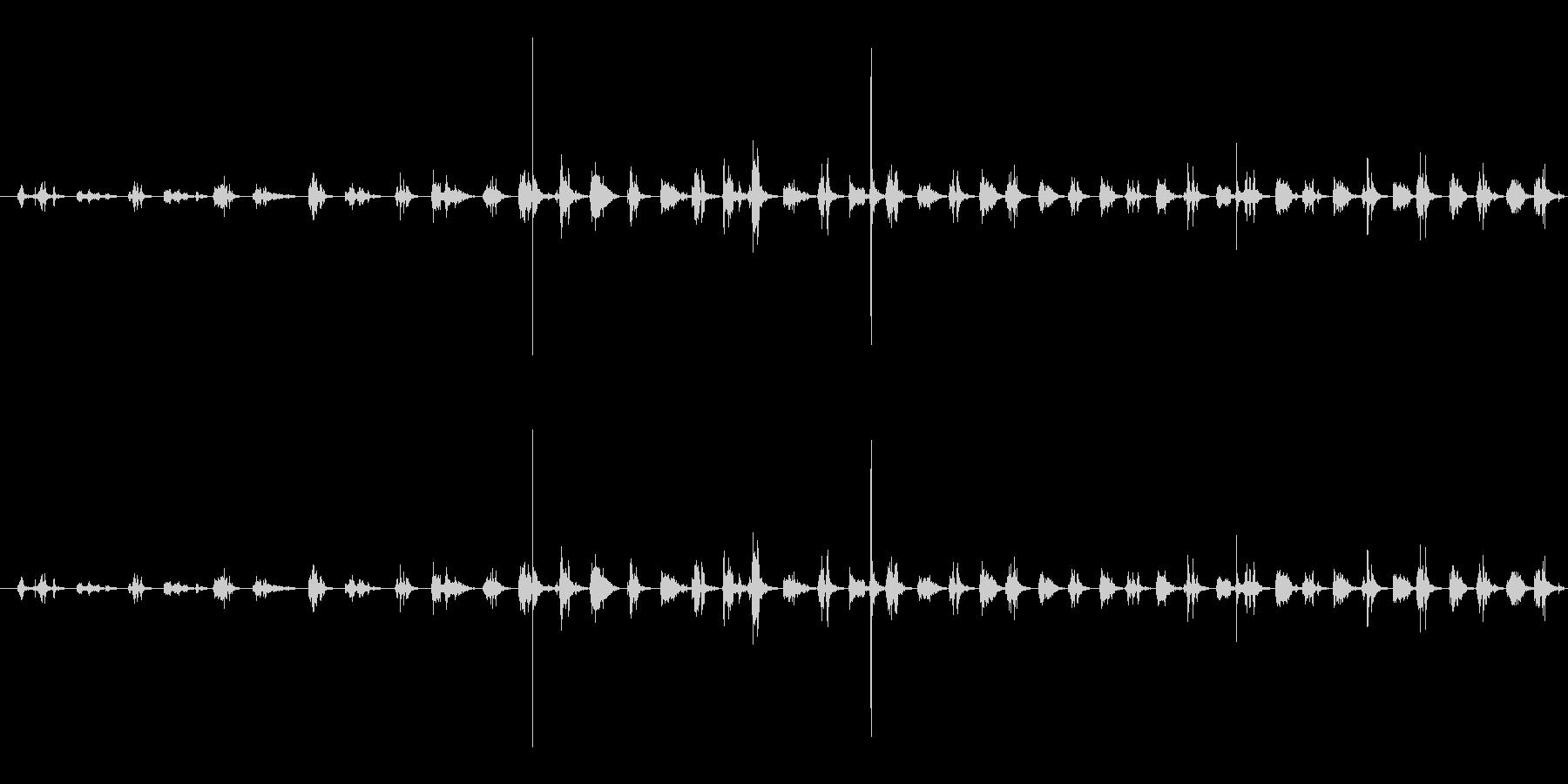 【生音】ちょきちょき・はさみで紙を切る音の未再生の波形
