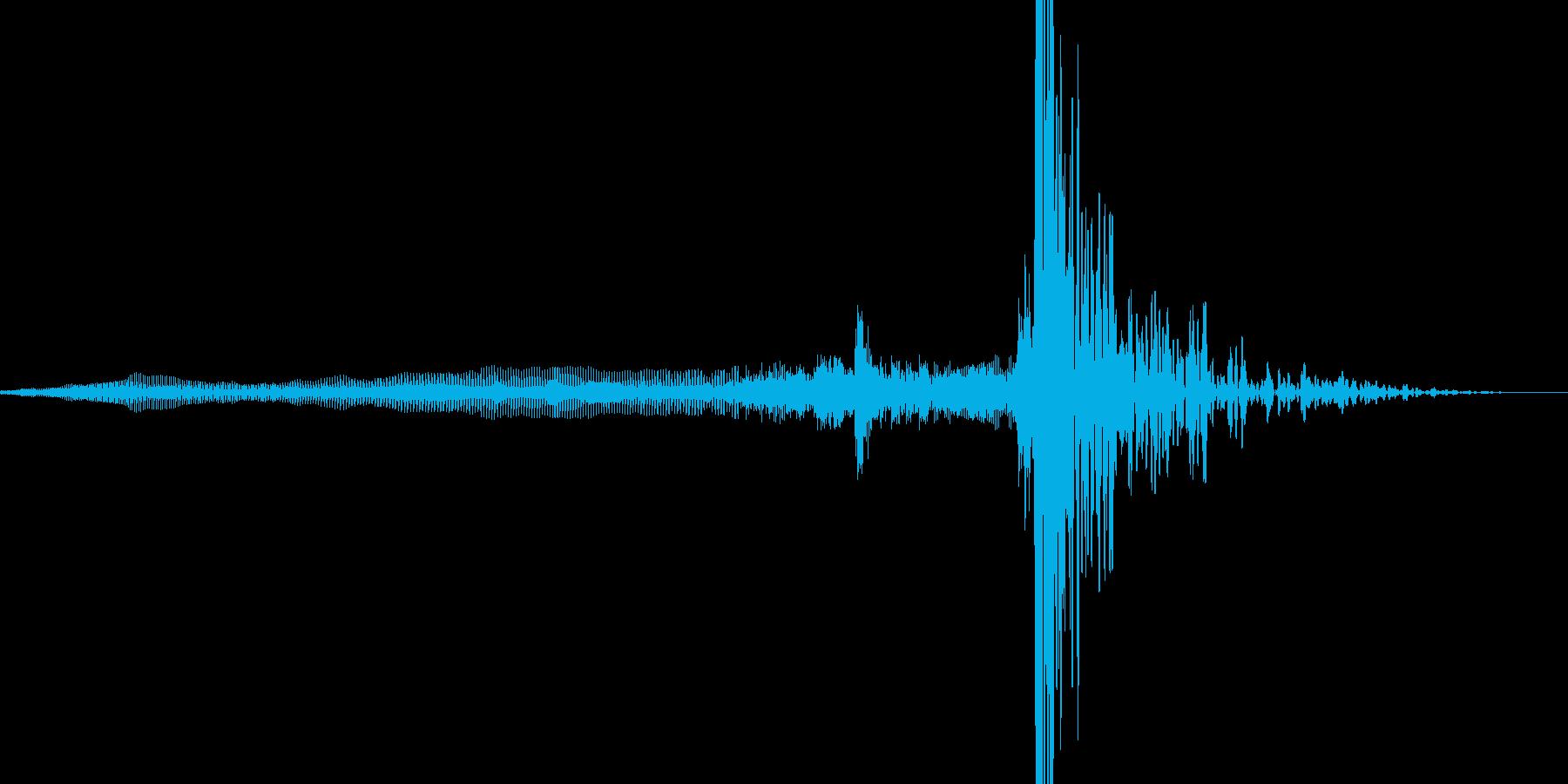 ドアを閉じる音の再生済みの波形