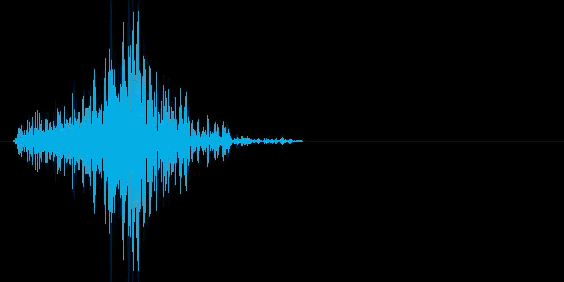 大型の武器を振りまわす時の音です。の再生済みの波形