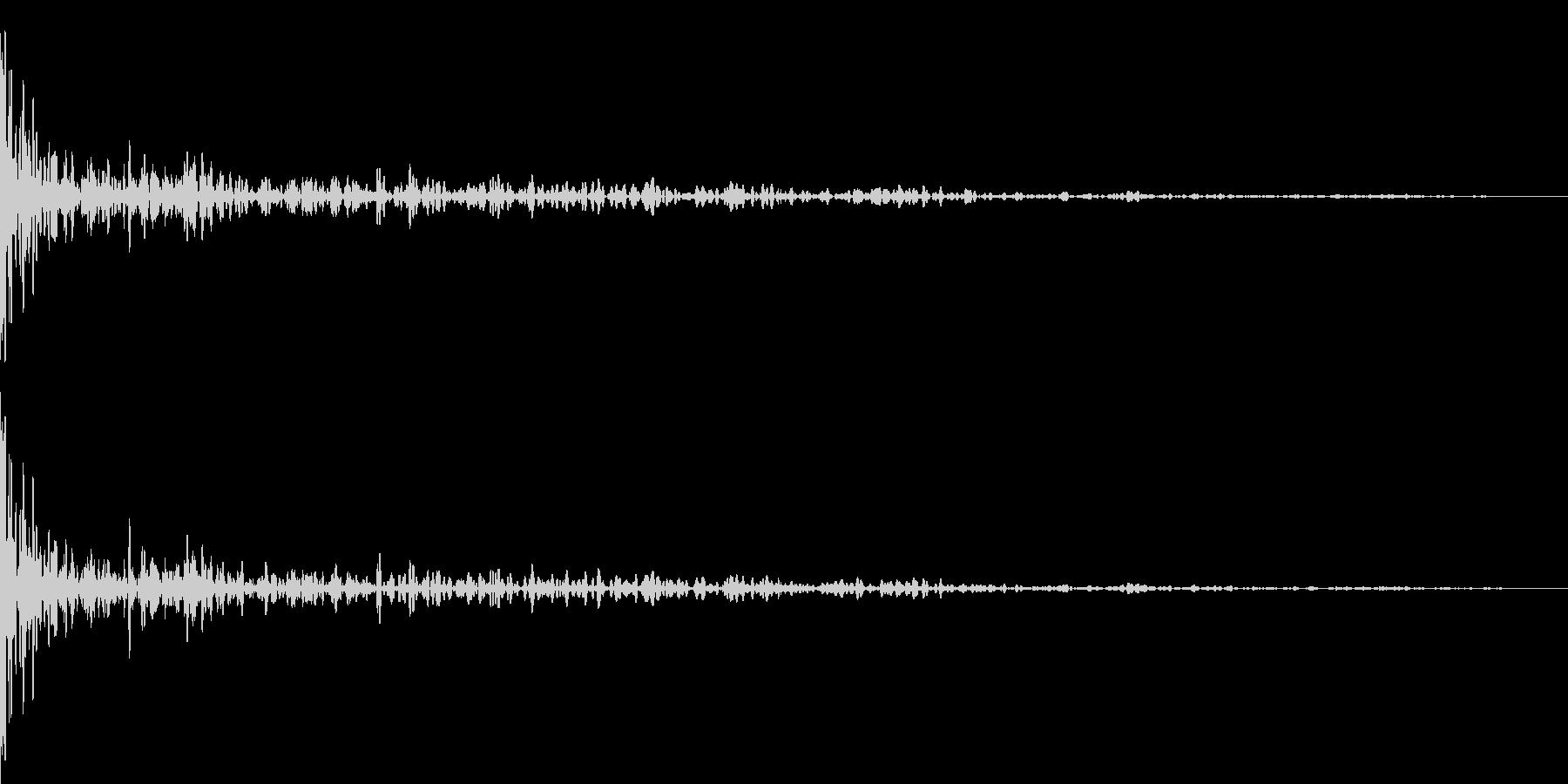 ボウリングの投球(減衰あり)の未再生の波形