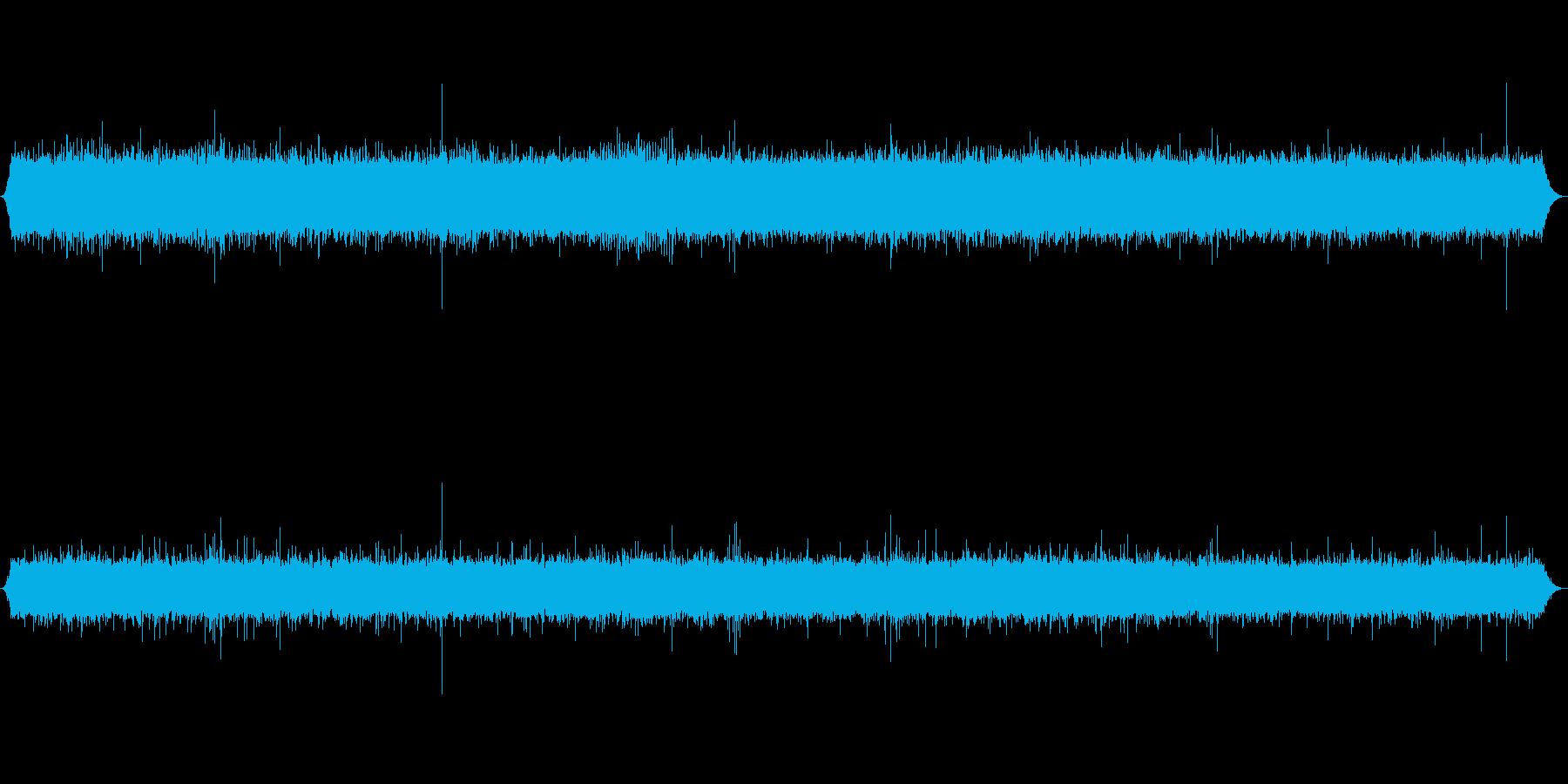 山で流れる川の音ですの再生済みの波形