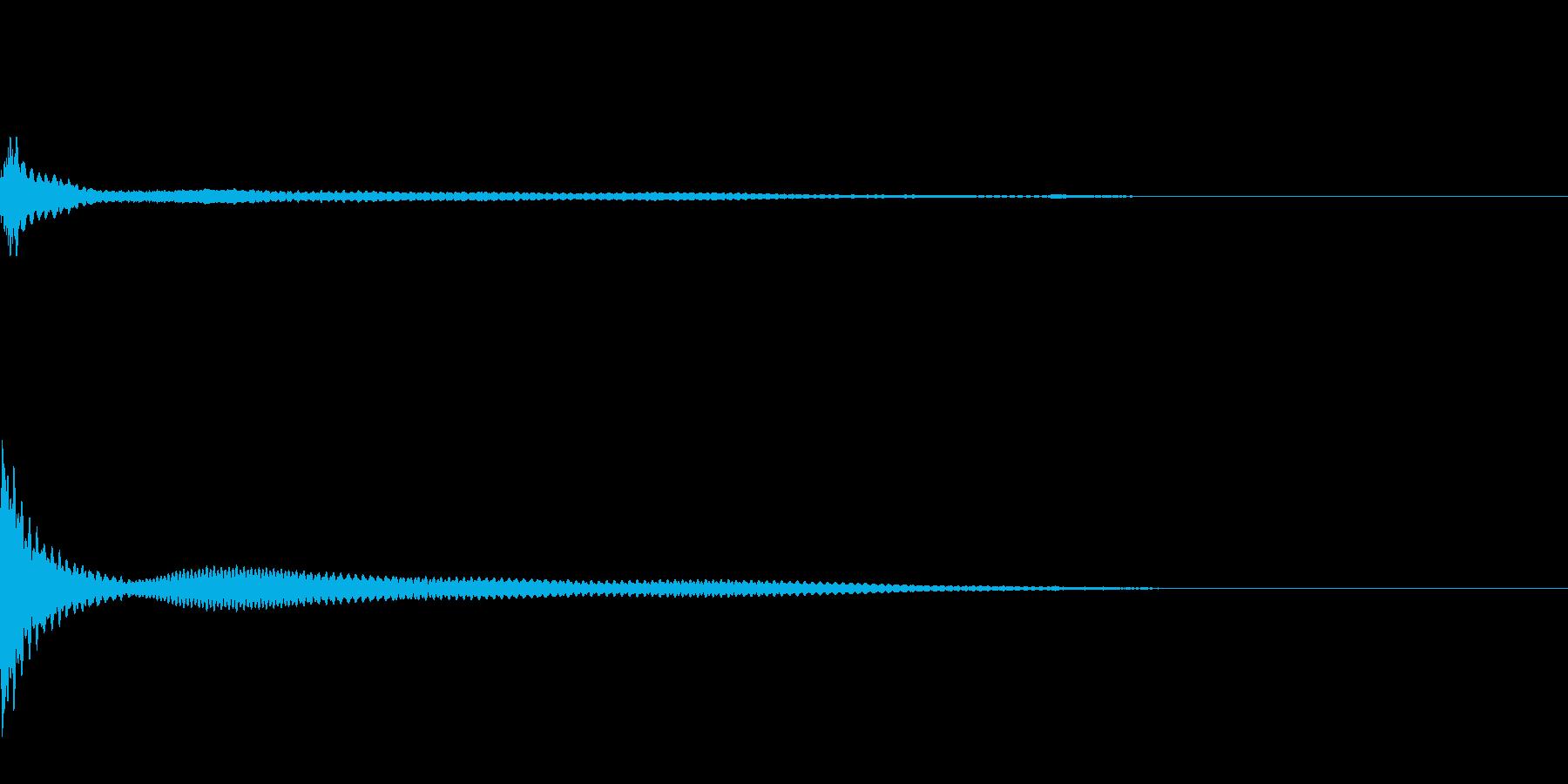 キーン、、奇妙なピアノの再生済みの波形