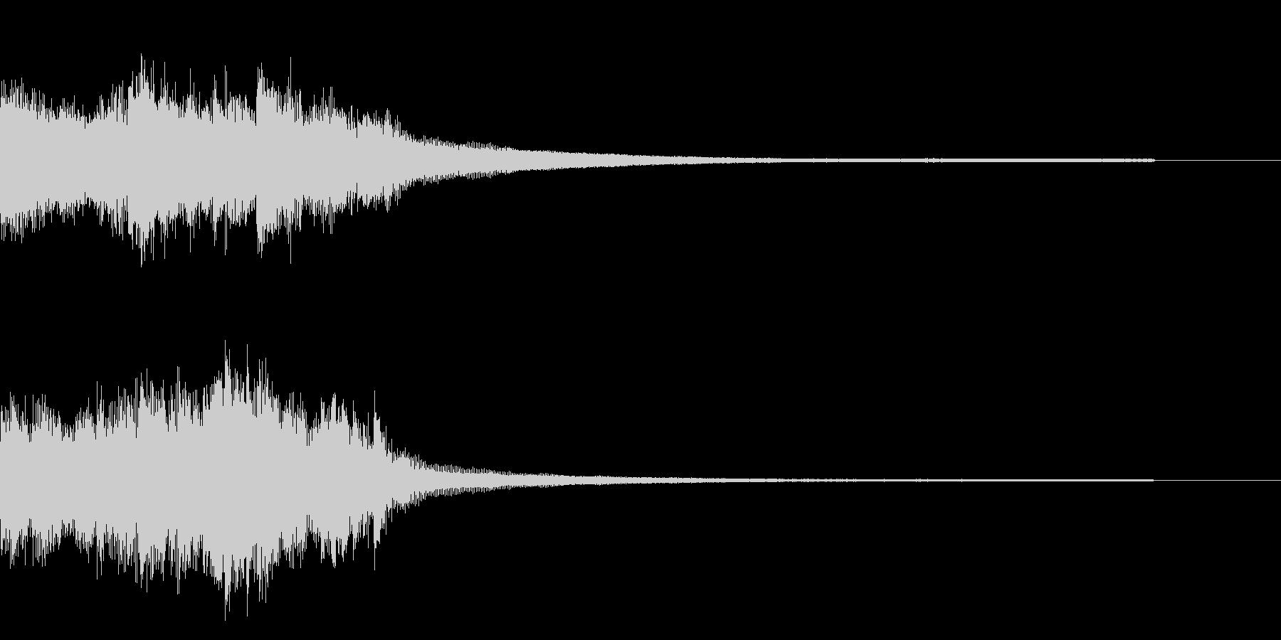 ピアノとストリングスによる重厚なジングルの未再生の波形