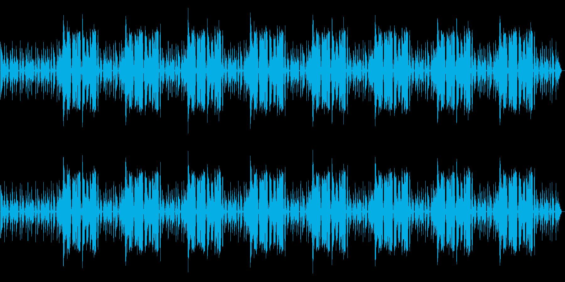 ドラムとベースだけのシンプルなBGMの再生済みの波形