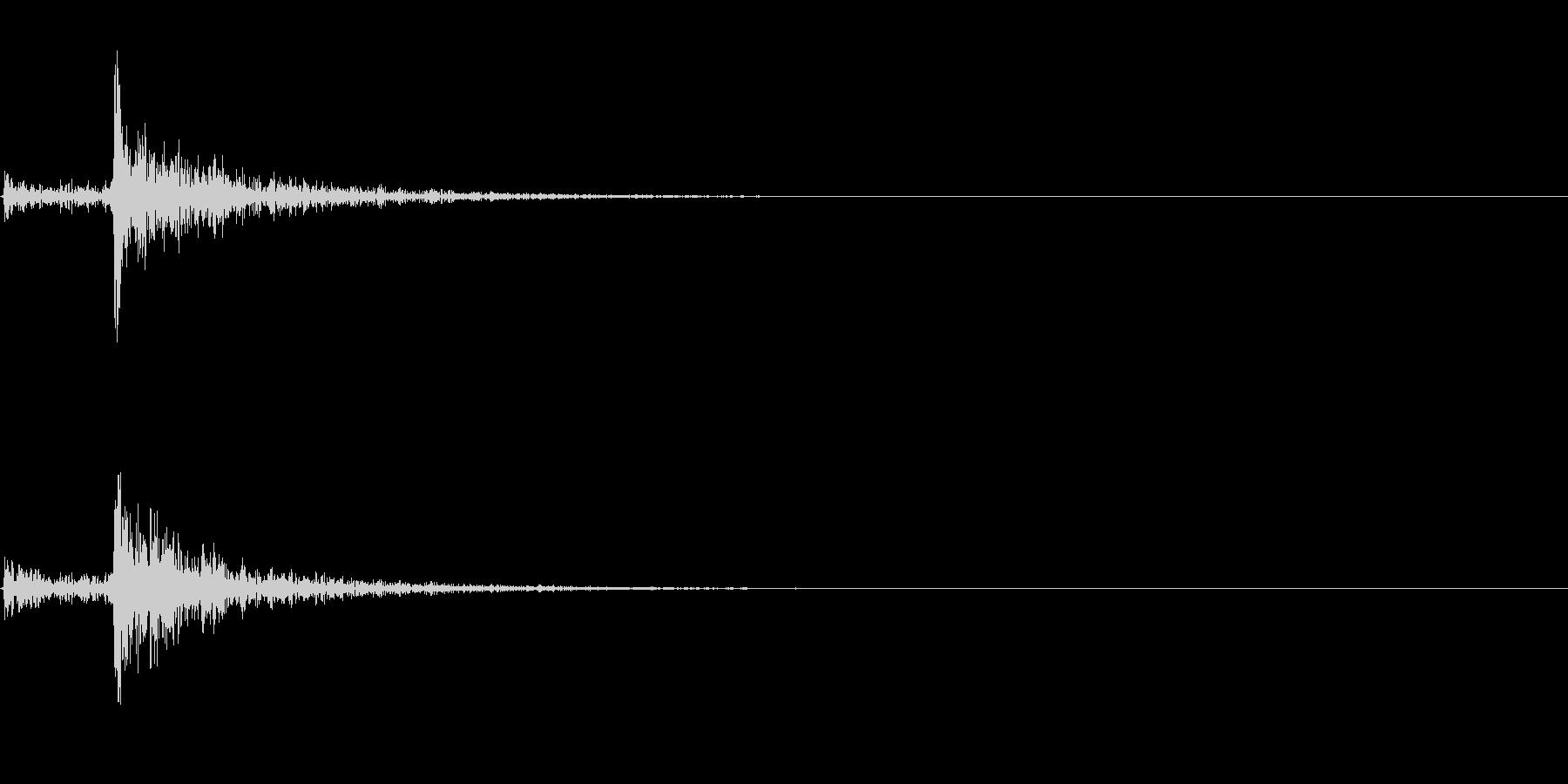 カチャッ(鍵が開く音)の未再生の波形