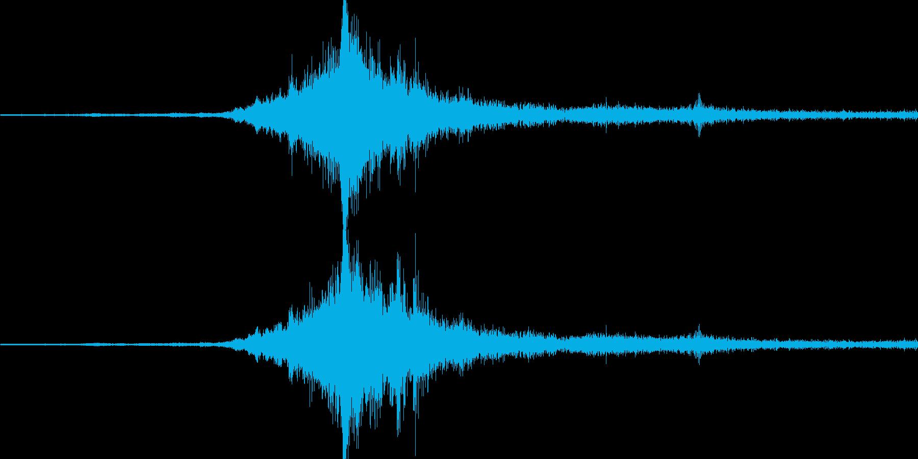 バイノーラル録音戦闘機6の再生済みの波形