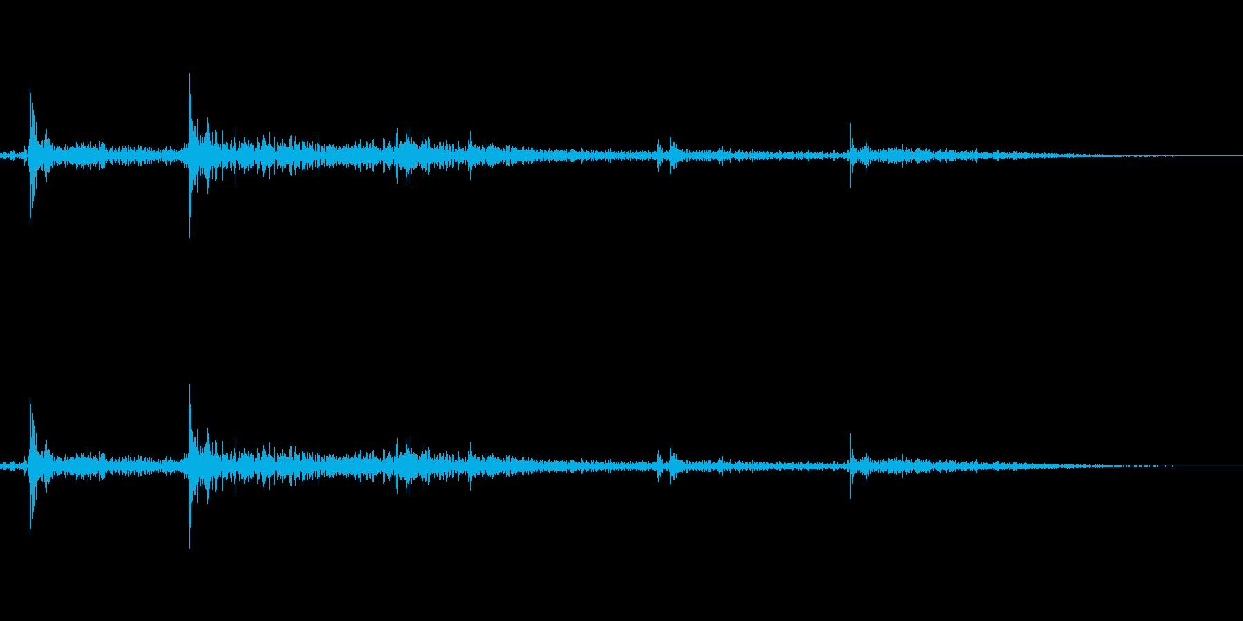 パシャッ!(おしとやかに打ち水をする音)の再生済みの波形