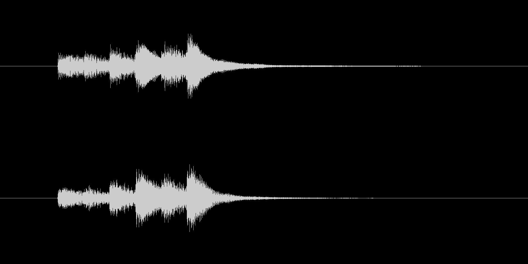ミステリアスなピアノの未再生の波形