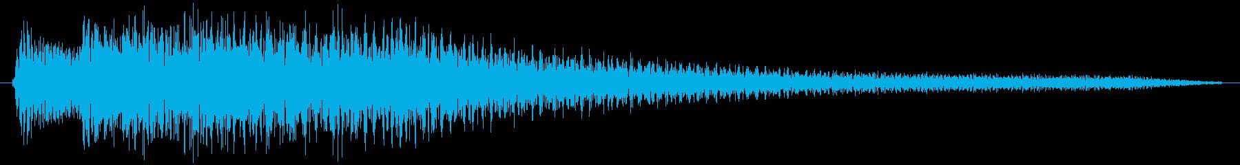 ホラー系の不気味な不協和音をピアノでの再生済みの波形